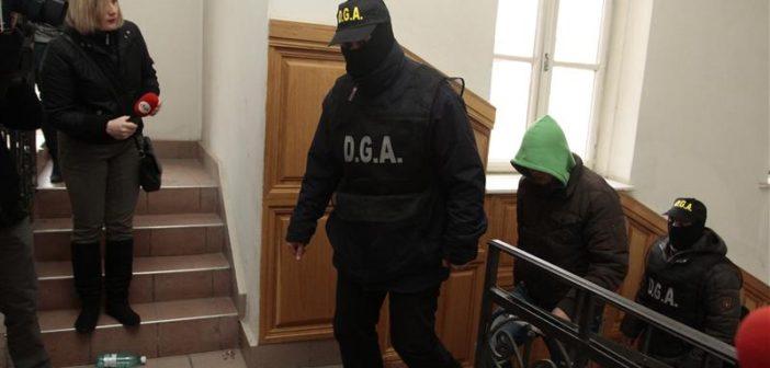 """Se strânge lațul """" MAFIEI DIN APUSENI """" – Doi poliţişti din IPJ Alba şi un pădurar, cercetaţi penal pentru abuz în serviciu şi furt de arbori."""