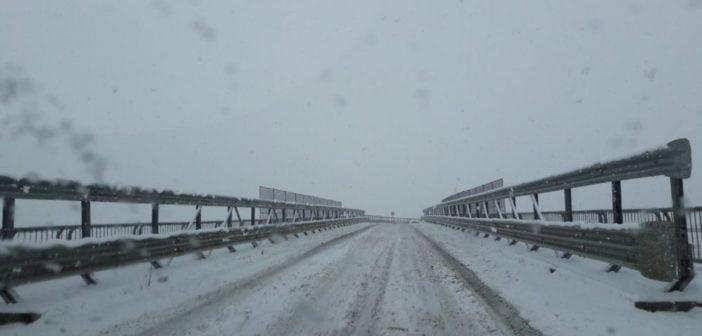 FOTO : Județul Alba blocat de INCOMPETENȚA a două instituții, Direcția de Drumuri și Poduri Locale și Direcţia Regională de Drumuri şi Poduri Cluj – Secţia Drumuri Naţionale Alba. Drumurile Naționale și Drumurile județene impracticabile