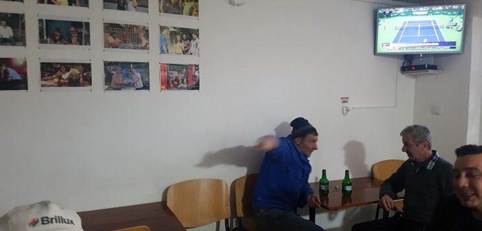 """O cârciumă cu renume la Alba Iulia. Inspirat din serialul românesc, proprietarul speră să atragă într-un mod autentic toți fanii """"LAS FIERBINȚI""""."""