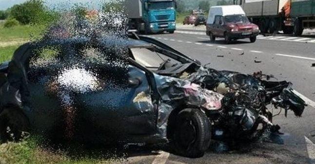 TRAGEDIE ÎN HUNEDOARA : O femeie a fost DECAPITATĂ într-un accident rutier