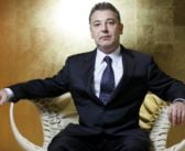 """Fondatorul afacerii """"Roșia Montană"""", Frank Timiș, a obținut drepturi de exploatare pentru zăcăminte uriașe în țări sărace și dominate de lideri corupți."""