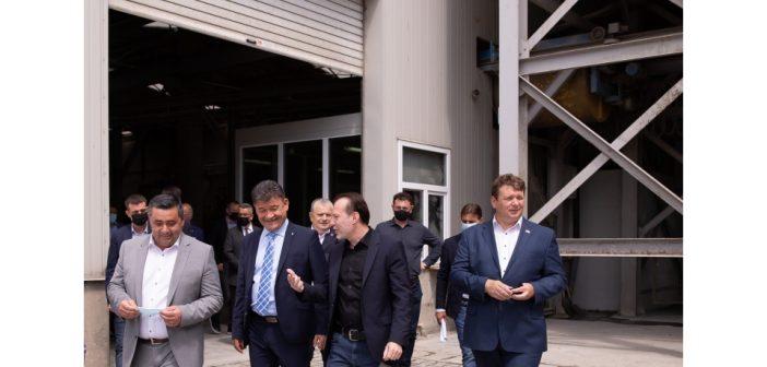 Florin Cîțu prezent la Alba Iulia. Premierul a a vizitat o fabrică de pavaje din Sebeș, un centru de vaccinare din Municipiul Alba Iulia și Cetatea Bastionară Alba Carolina